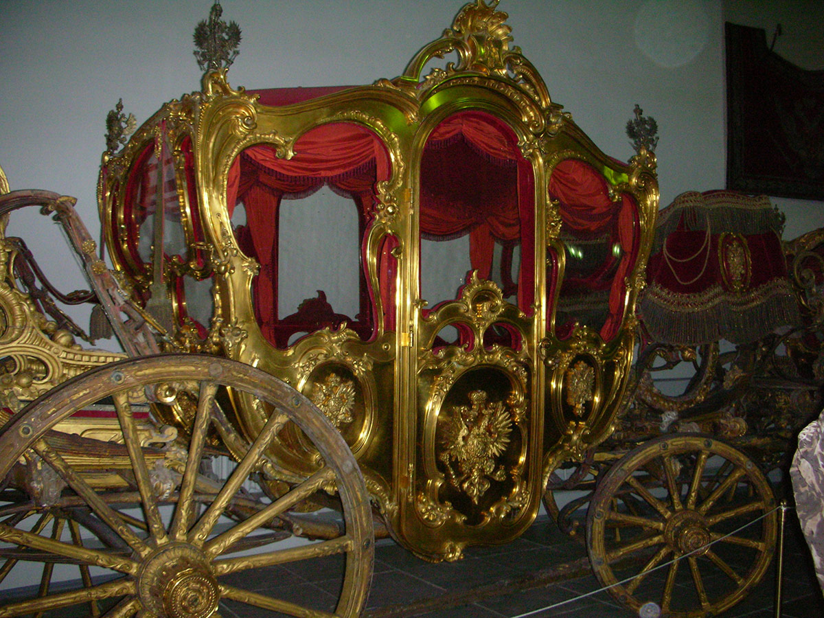Russia | Golden Carriage